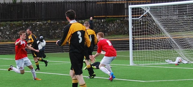 Gus grabs the equaliser
