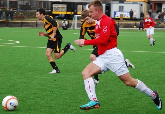 Graeme Eaglesham flies down the flank