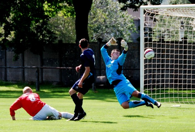 Bo's header stopped by keeper Euan Drysdale