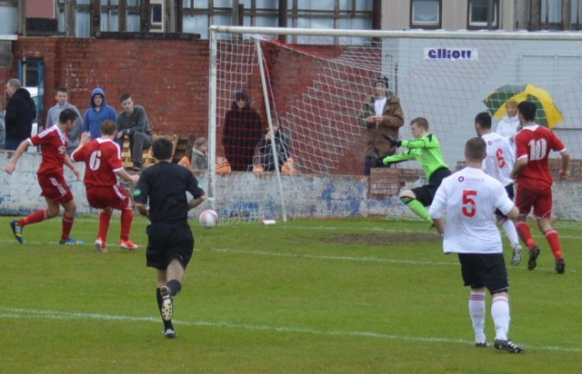 Cameron Marlow puts the Glens in front