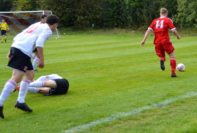 'He's Off - Darren McGill takes out 3 Bankies'