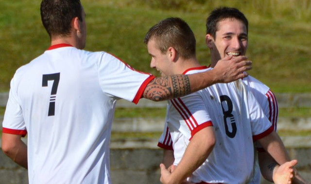 Alain and Jamie get a hand from Danny
