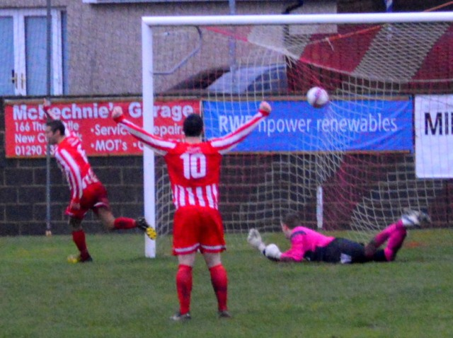 Cammy puts the Glens in front