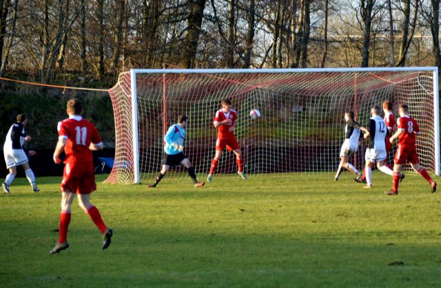 Ray Montgomerie puts Cumnock 2-0 up