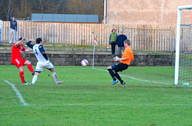Alain Kinney fires past Ally Semple