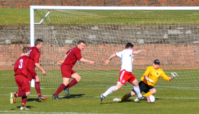 Gary Whyte saves from Alain Kinney